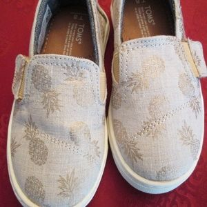 Toms Kids Size 8 PINEAPPLE Shoes, NEW, never worn
